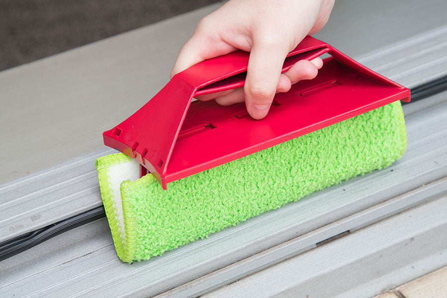 The as seen on tv wonder wipe wet & dry has a hand held option for door grooves and small spills, it's easy to clean and tidy