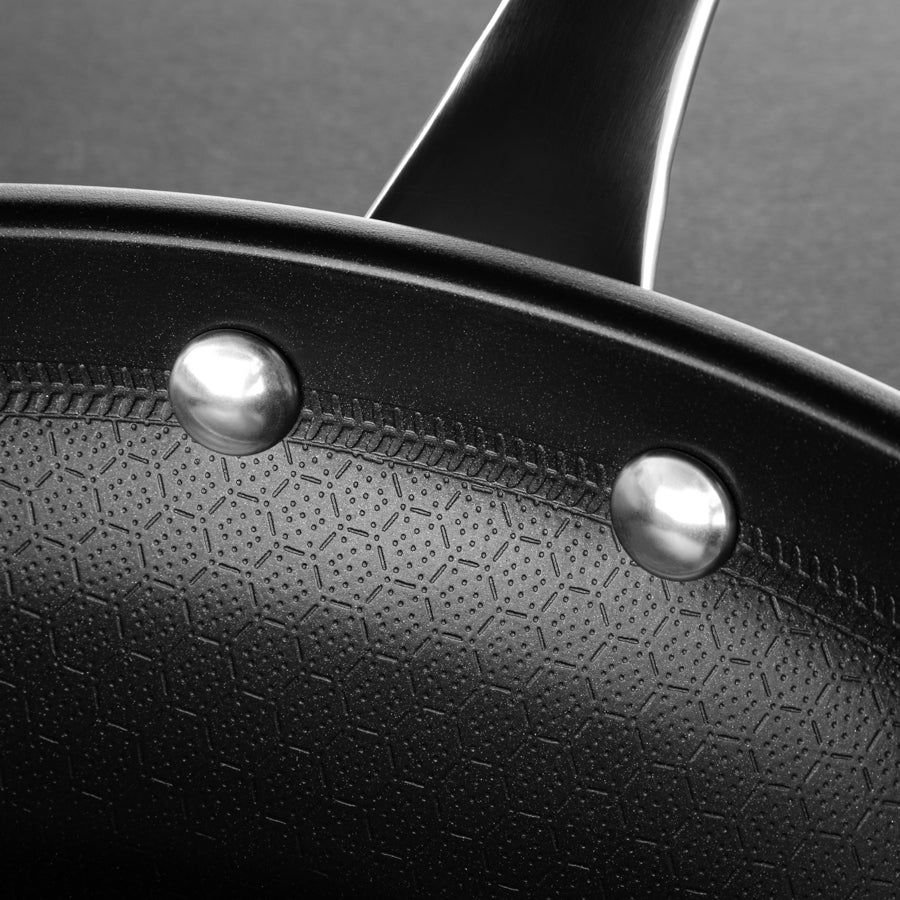 Close up image of the Perfect Pro Pan Non Stick Surface