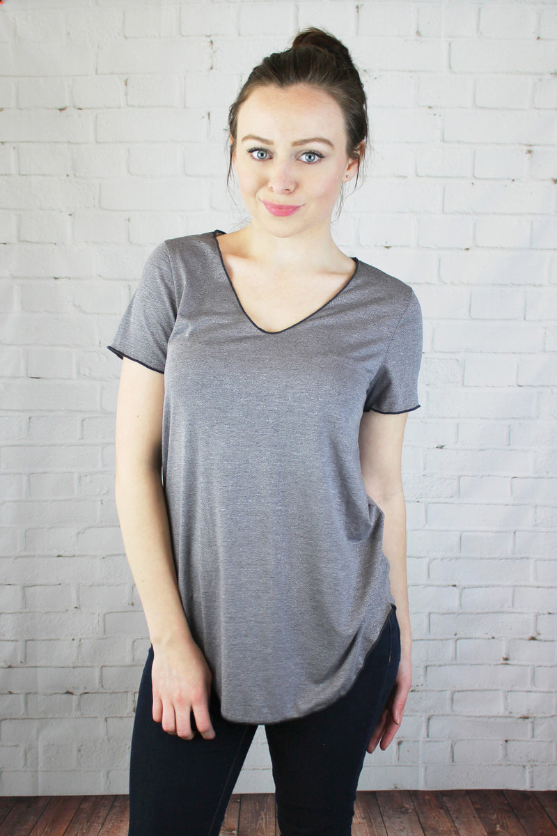 THE ZOE V-NECK TEE, TOPS - Jessica Hearts