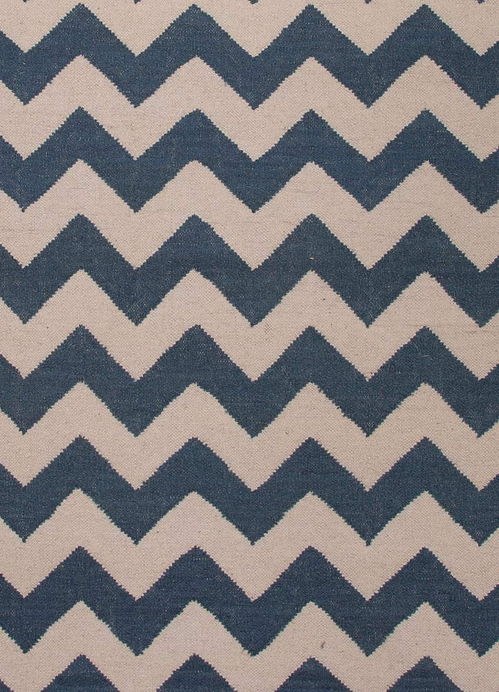 5' x 8' Blue Chevron Area Rug