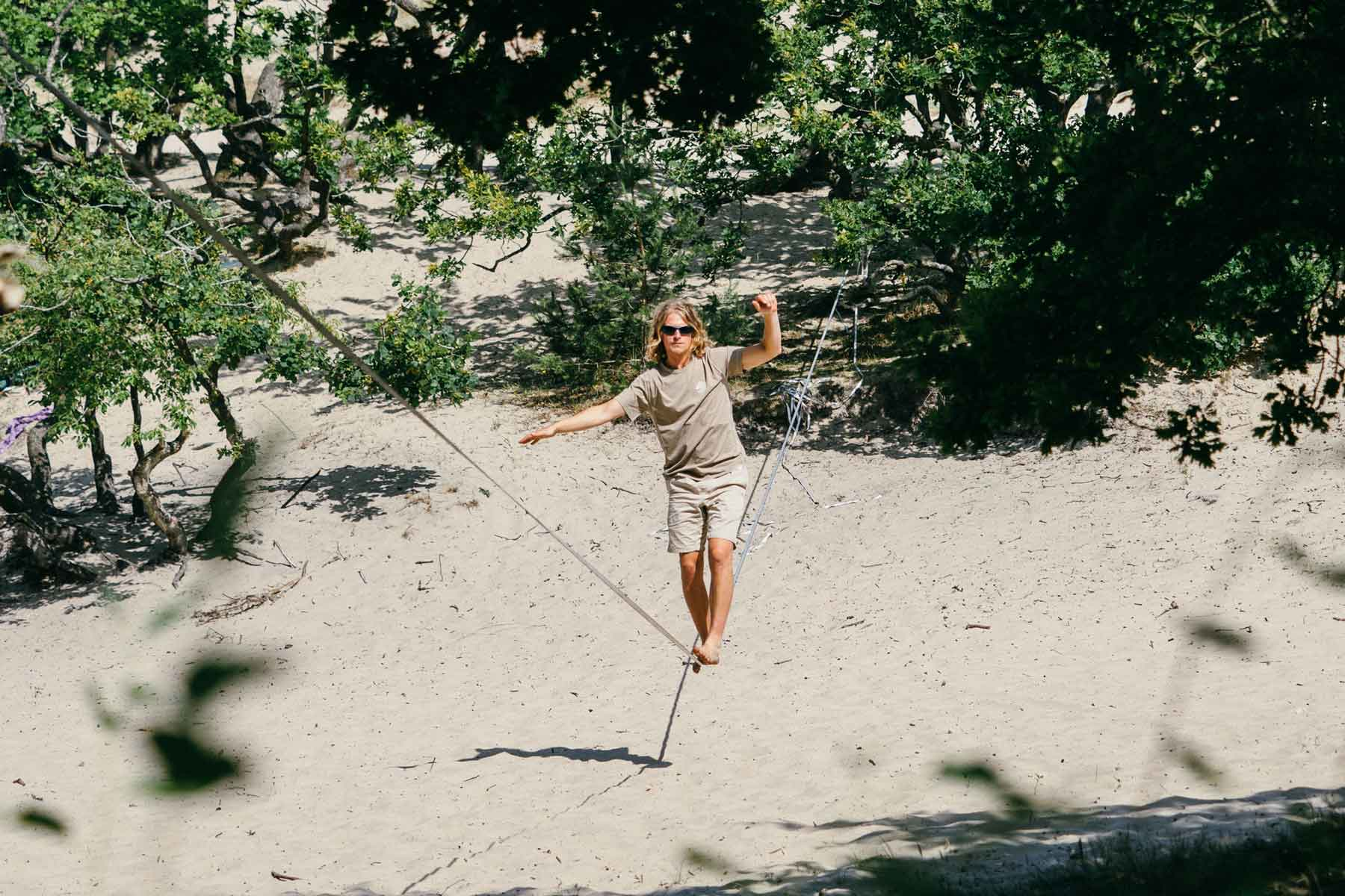 How to Slackline: 10 Slacklining Tips for Beginners