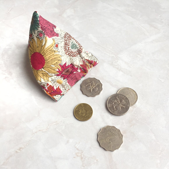 Pyramid flex frame coin purse