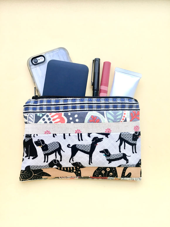 Zipper pouch / makeup bag (Button cube insert)