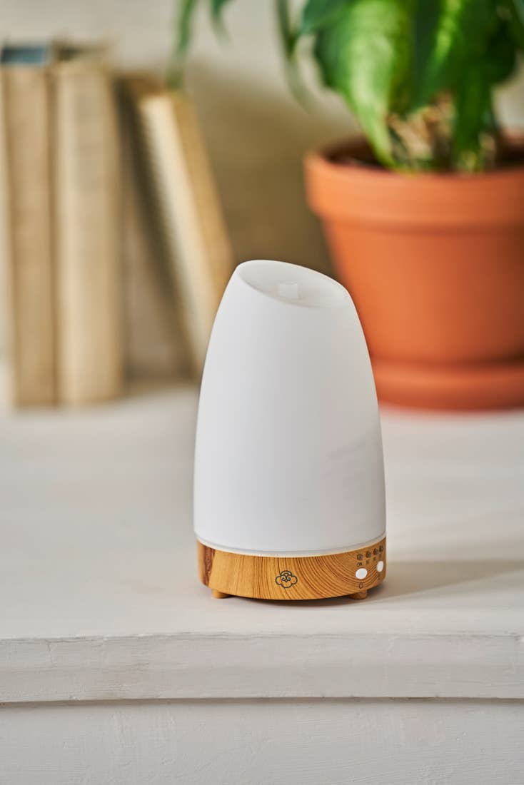 Astro Aromatherapy Diffuser w/ LED Lights