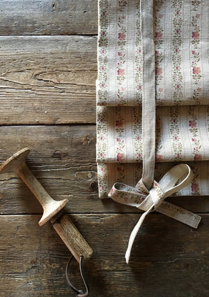 Beauclerc Stripe Narrow Aged Linen/Natural Rose