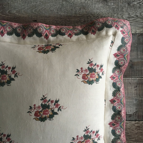 Balazuc Marchprint Border Cushion/Posy