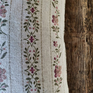 Linen Cushion / Beauclerc Stripe Wide Natural Rose