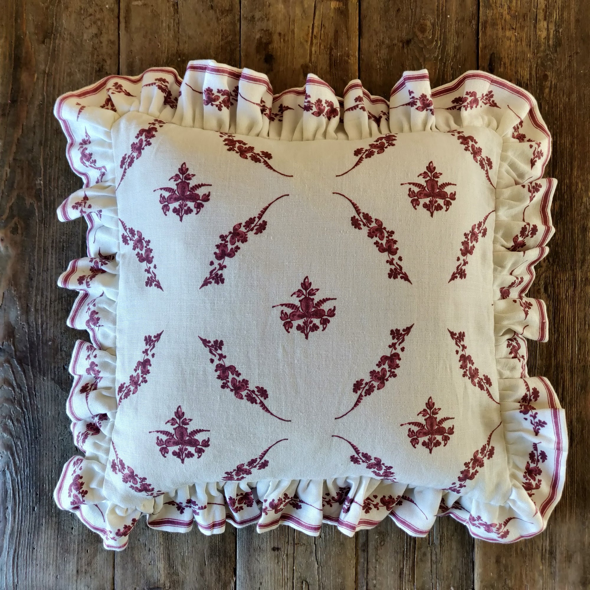 Trifolium Hero Frill Cushion/ Wreath Raspberry on Ivory