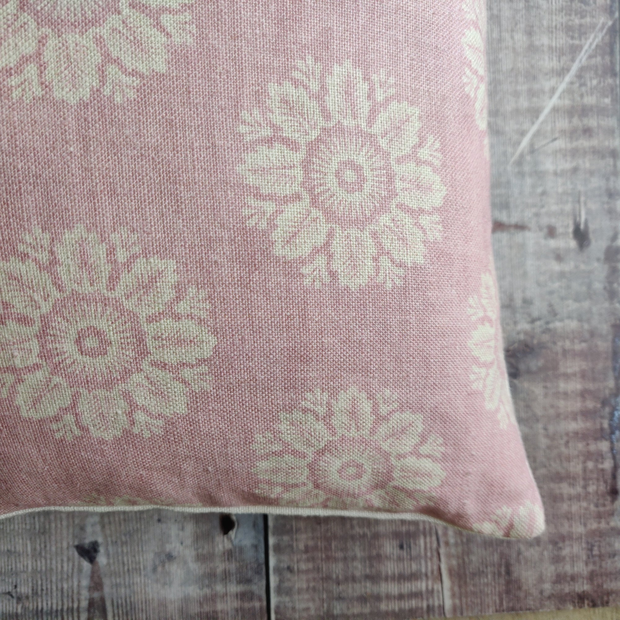 45x30cm Linen Cushion / Ronda Blush