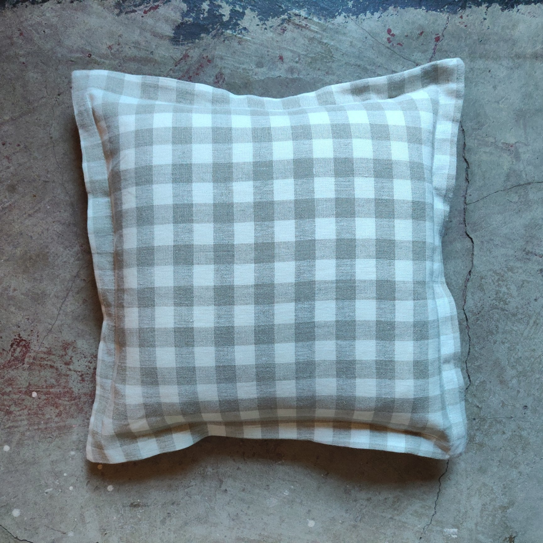 40cm Oxford Edge Linen Cushion / Gingham Ecru
