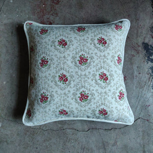 40cm Piped Linen Cushion / Posy Ivory