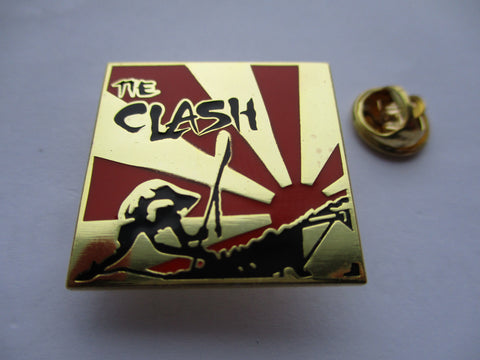 THE CLASH japan calling GOLD punk metal badge last few