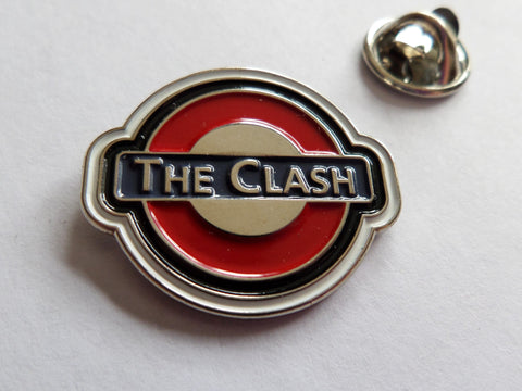 THE CLASH tube logo PUNK METAL BADGE
