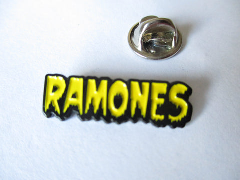 THE RAMONES horror logo (yellow) PUNK METAL BADGE