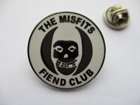 THE MISFITS fiend club (b&w) HORROR PUNK METAL BADGE