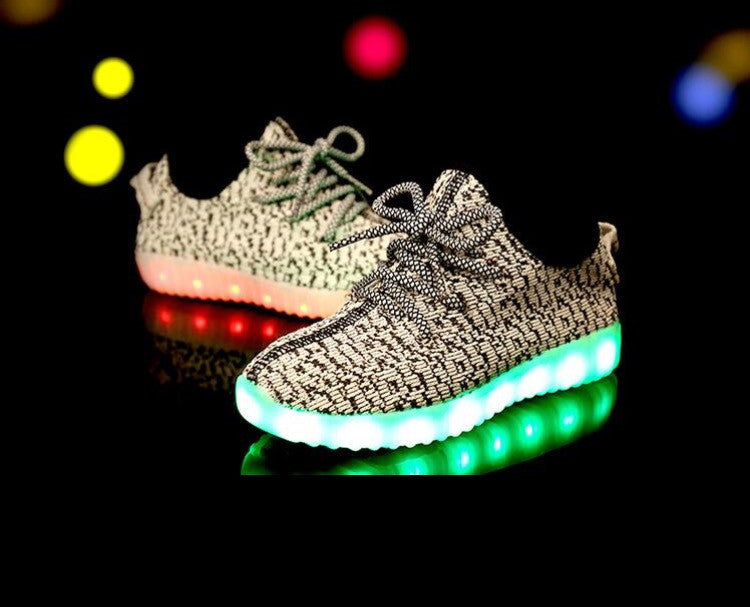 Kids LED Light Up sneakers (Grey)! Hottest Style of 2016-17.