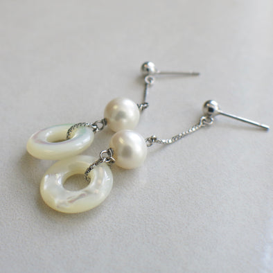 18K White Gold Box Chain Pearl and Mother of Pearl Dangle Earrings