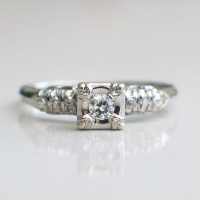 14K White Gold Vintage Diamond Engagement Ring