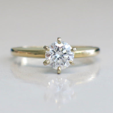 Solitaire Round Brilliant Diamond Engagement Ring 14K Yellow Gold