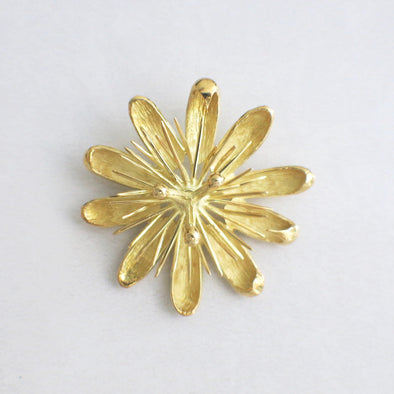 18K Gold Vintage Floral Pin Pendant or Brooch