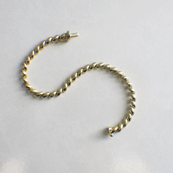 14K Yellow Gold Half Twist Bracelet