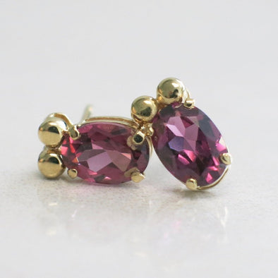 Rhodolite Garnet Oval Stud 14K Yellow Gold Earrings