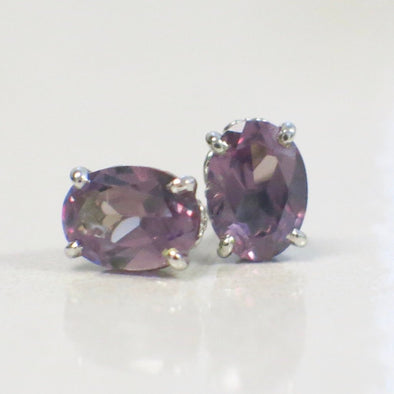 14K White Gold Filigree Set Oval Purple Violet Blue Color Change Sapphire Studs