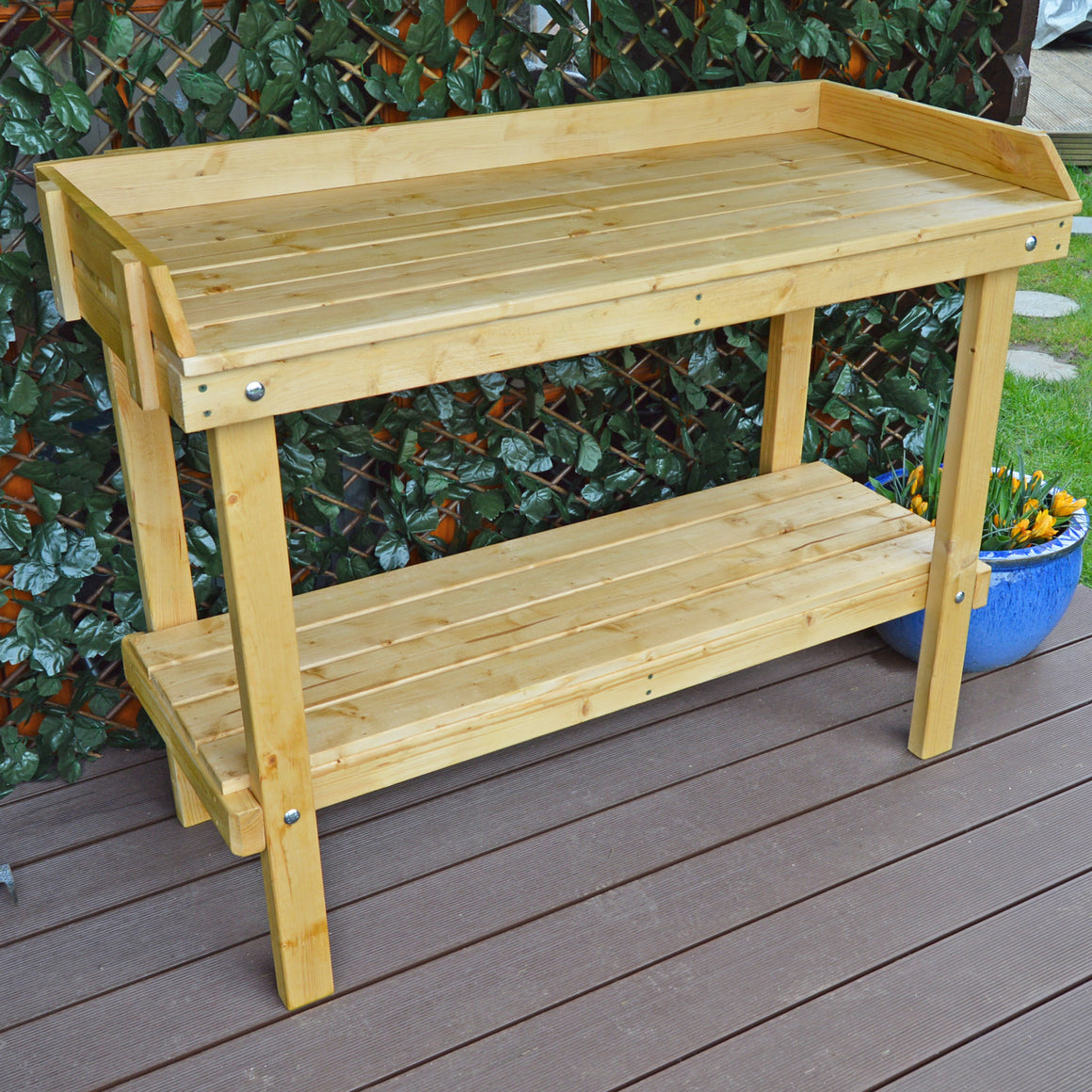 treated potting table free delivery uk