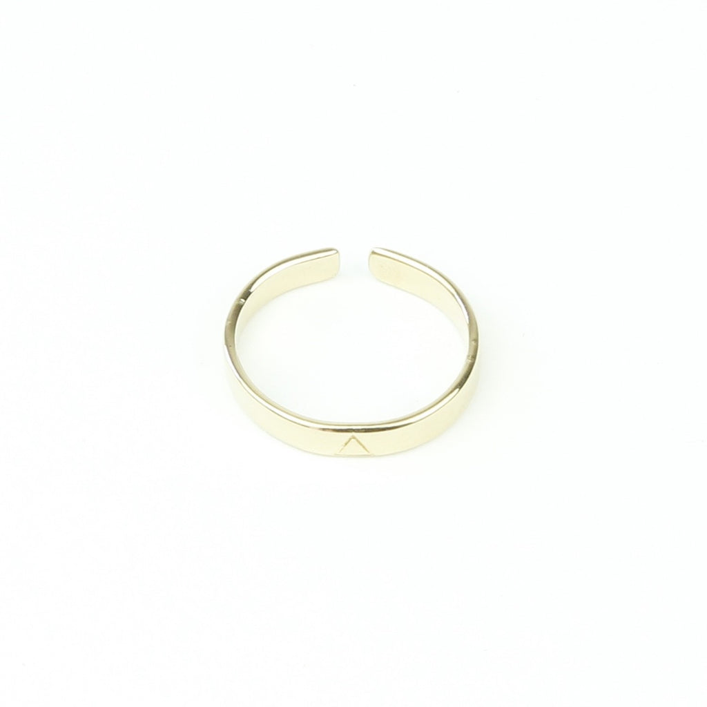 Bague Gold Triangle-A.MOOD.Z- laboutique.emma-chloe