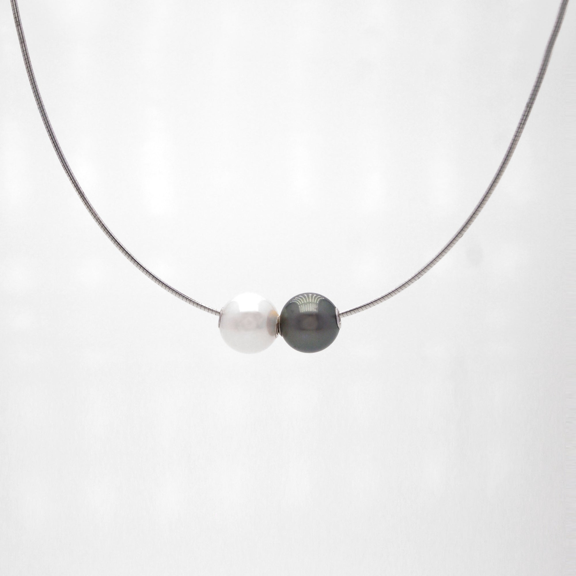 14K White Gold Black And White Pearl Necklace