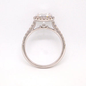 Point Of Love 18K White Gold Round Diamond Engagement Ring With Diamond Point