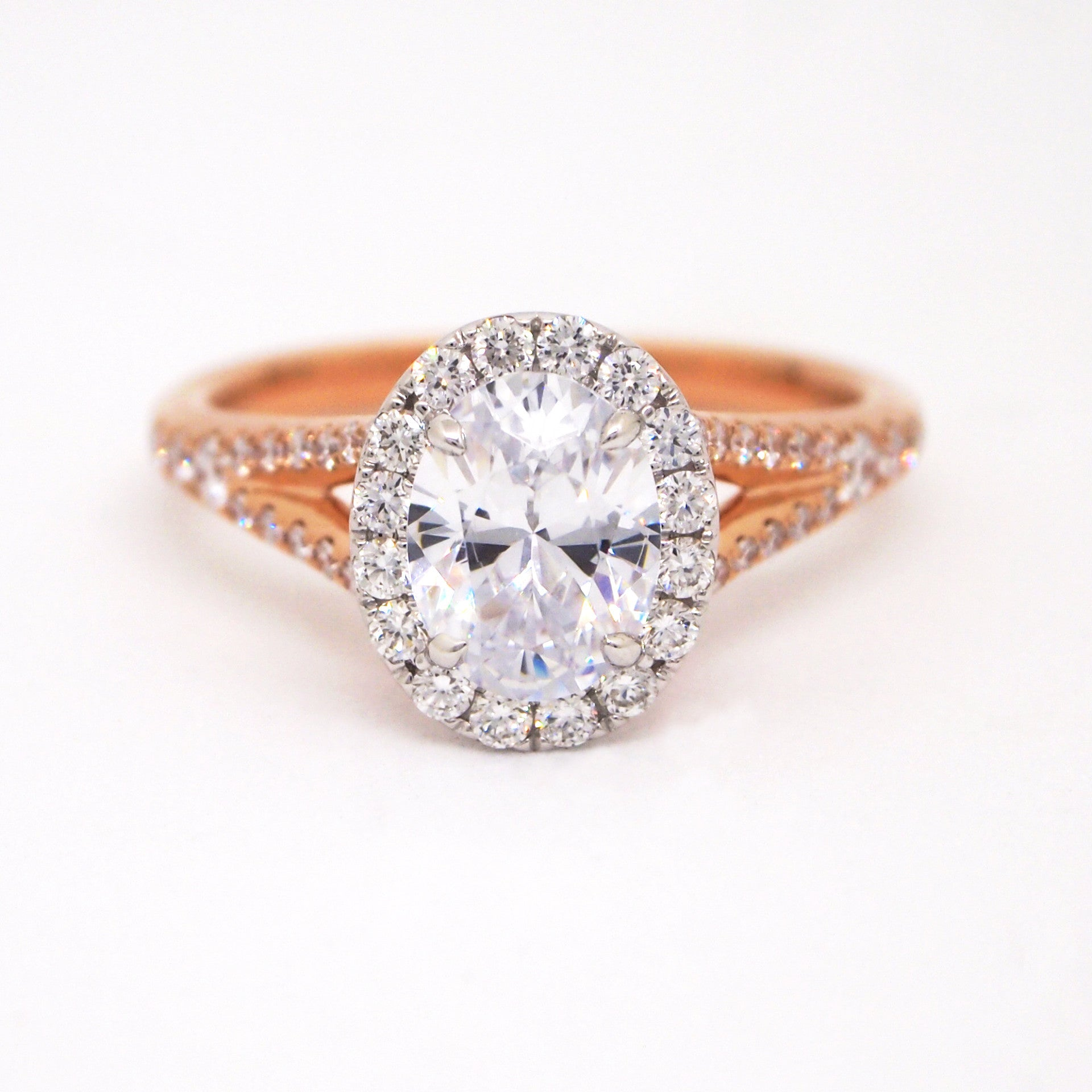Point Love 18K Rose Gold Oval Diamond Engagement Ring With Pink
