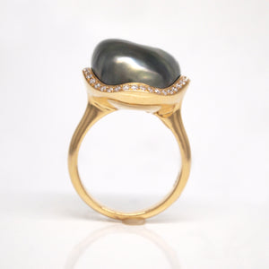 18K Yellow Gold Tahitian Keshi Pearl And Diamond Ring