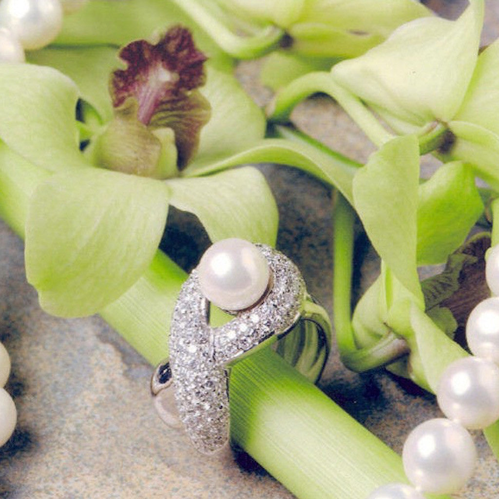 18K White Gold Akoya Pearl and Diamond Ring