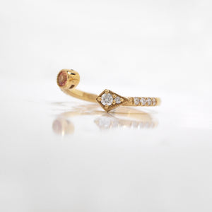 18K Yellow Gold Peach Sapphire And Diamond Open Twist Ring