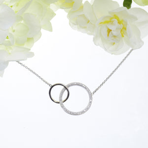 18K white gold interlocking double circle necklace with pave-set diamonds
