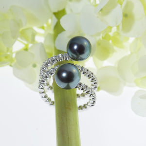 Mastoloni 18K white gold twist ring with Tahitian pearls and diamonds