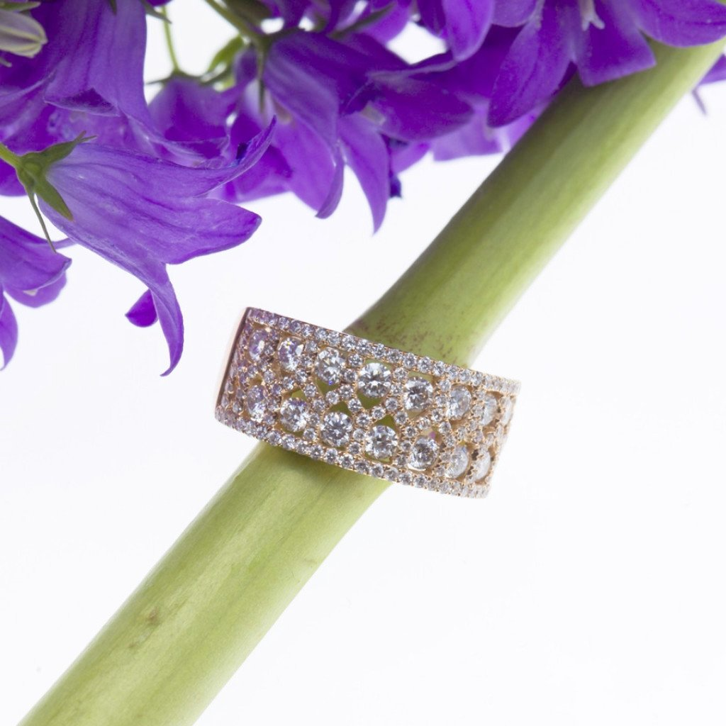 Rose Gold Brilliant Diamond Band