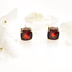 14K Yellow Gold Mozambique Garnet Stud Earrings
