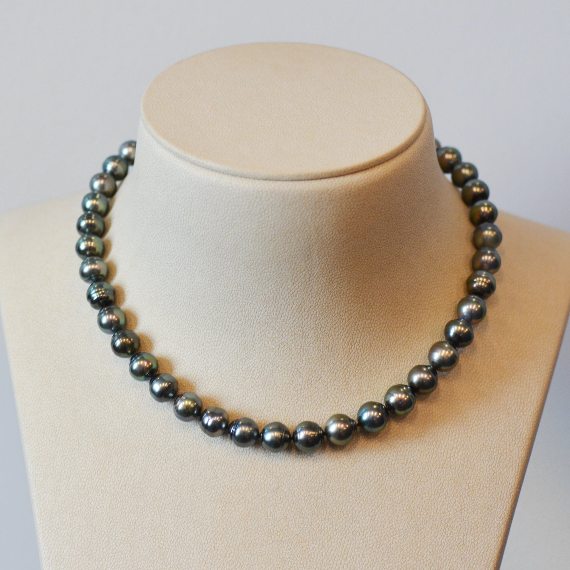 Baroque Tahitian Pearl Necklace With Sterling Silver Clasp