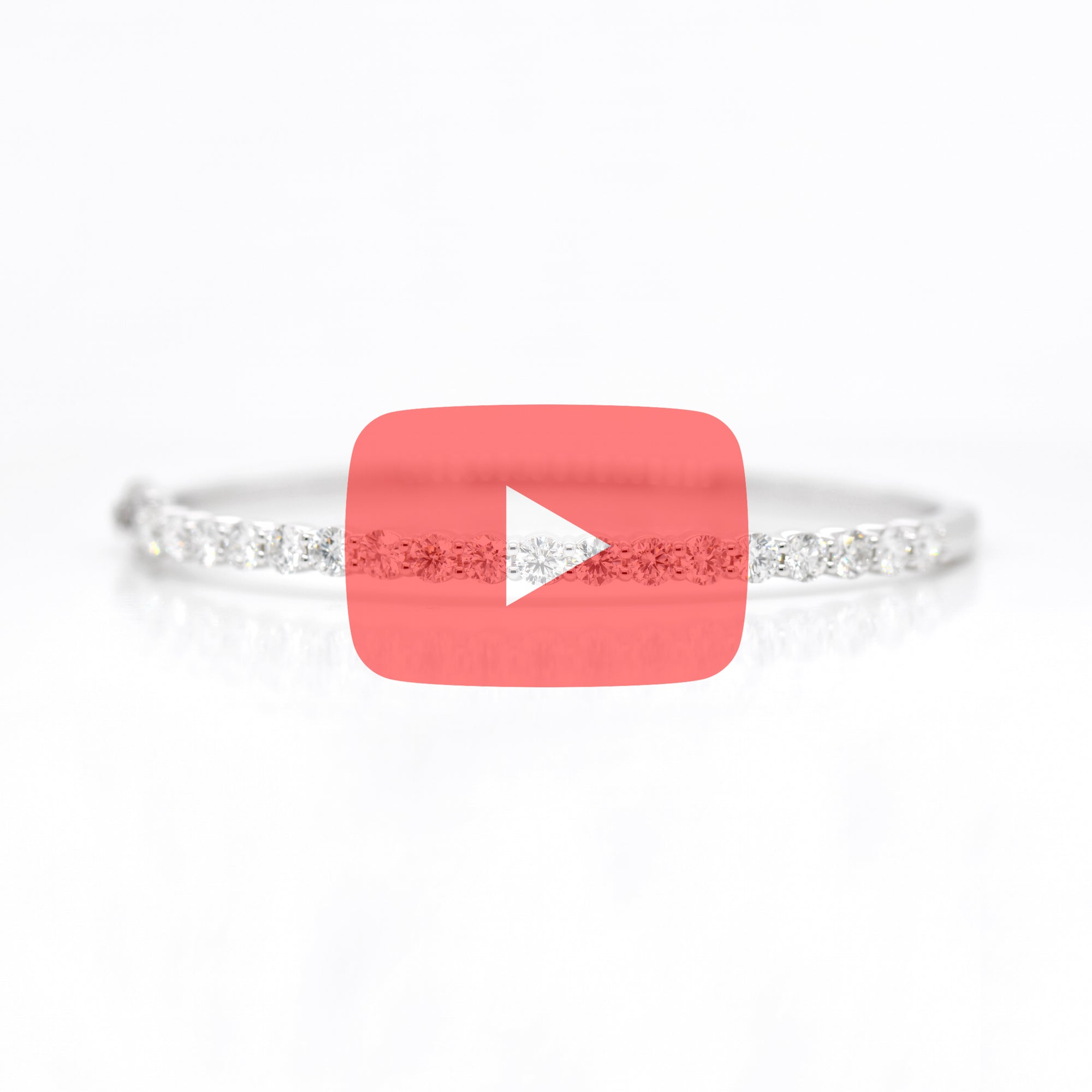 18K White Gold Round Diamond Bangle