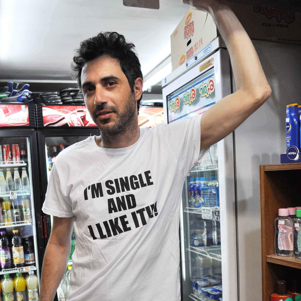 I׳m Single and I Like It! T-shirt - pink is for boys