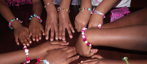 Benefits of kids jewelry making party activity