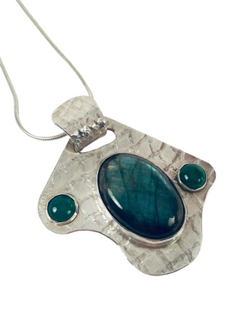 LABRADORITE AND GREEN AGATE PENDANT