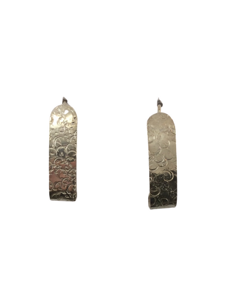 TEXTURED SHORT EARRINGS