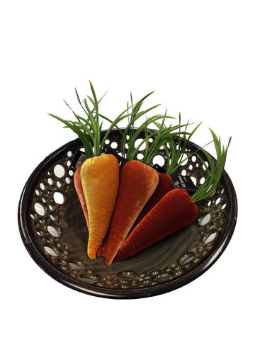 GOLDEN VELVET CARROT WITH HAND CUT FEATHER LEAVES
