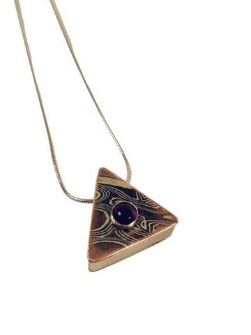 MOKUME HOLLOW FORM TRIANGLE W/ AMETHYST