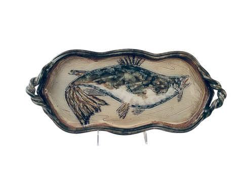 MEDIUM TRAY WITH FISH, JADE GREEN