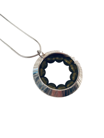 GREEN AGATE WHEEL NECKLACE