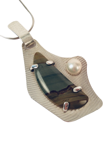 PICTURE JASPER WITH PEARL PENDANT
